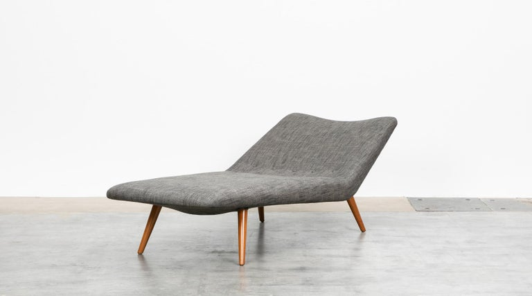 Dutch 1950s grey textil and wooden base Daybed by Theo Ruth For Sale