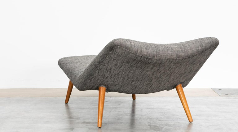 1950s grey textil and wooden base Daybed by Theo Ruth For Sale 2