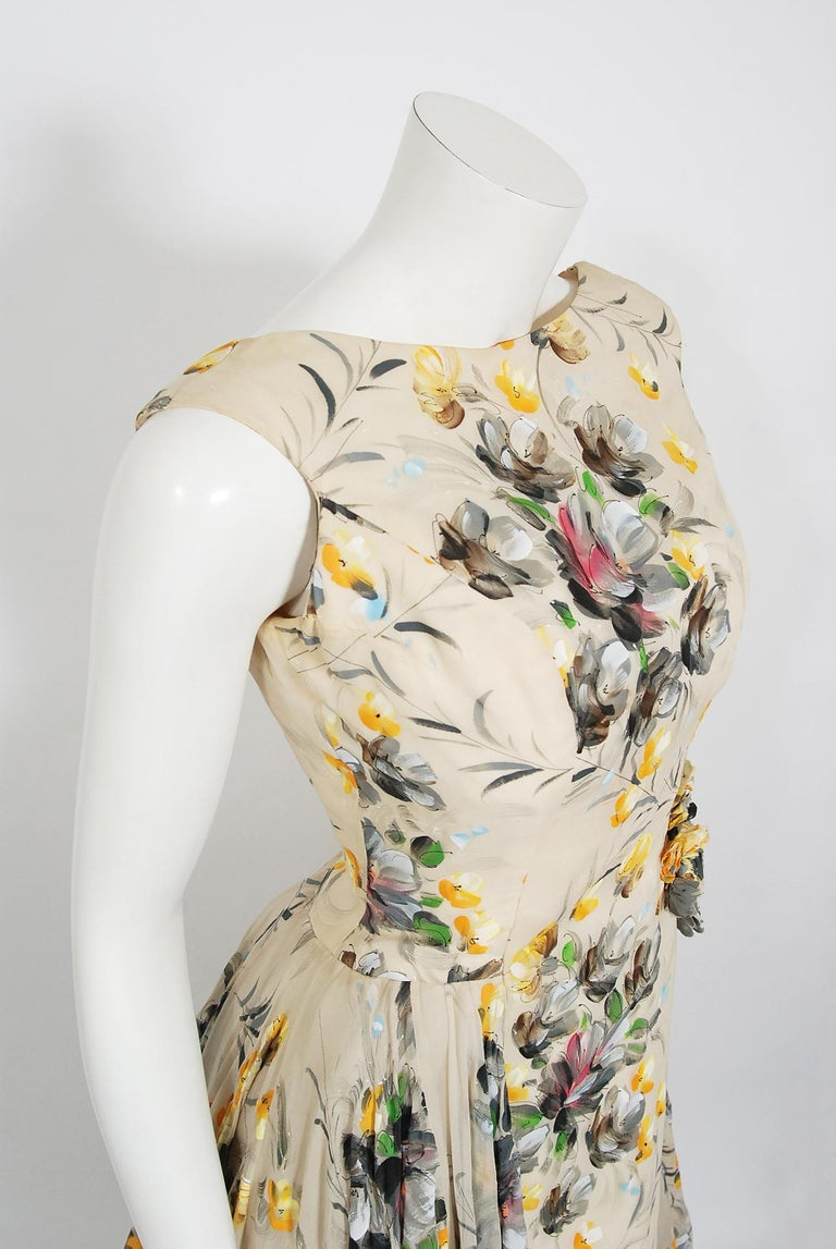 1950's Hand-Painted Floral Ivory Silk Appliqué Skirted Hourglass Backless Gown In Good Condition For Sale In Beverly Hills, CA