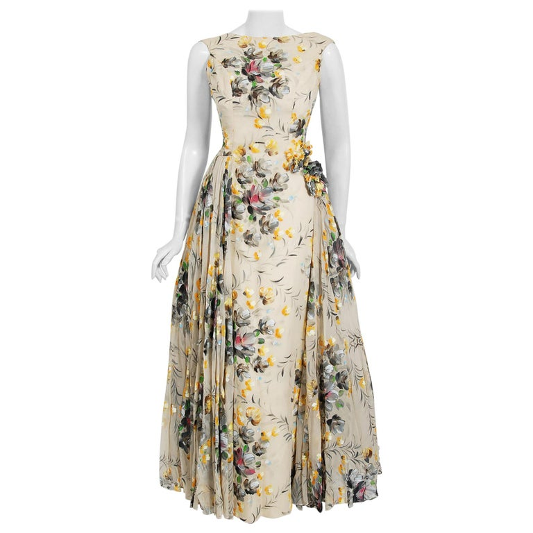 1950's Hand-Painted Floral Ivory Silk Appliqué Skirted Hourglass Backless Gown For Sale