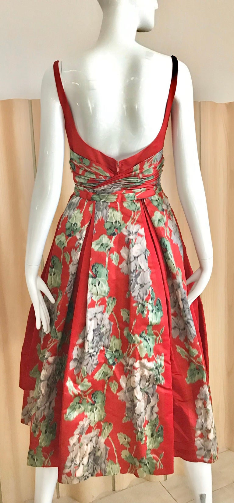 Women's 1950s Hattie Carnegie Red Silk Floral Print Cocktail Dress For Sale