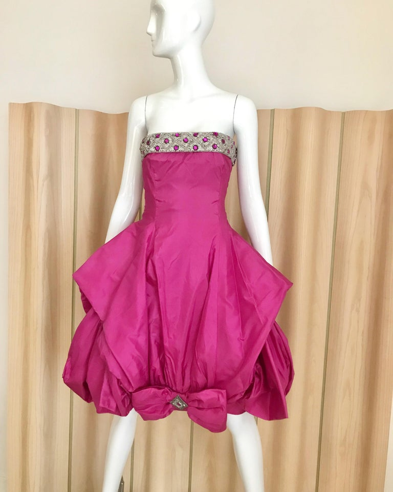 1950s Hot Pink Silk Strapless Cocktail Dress In Good Condition For Sale In Beverly Hills, CA