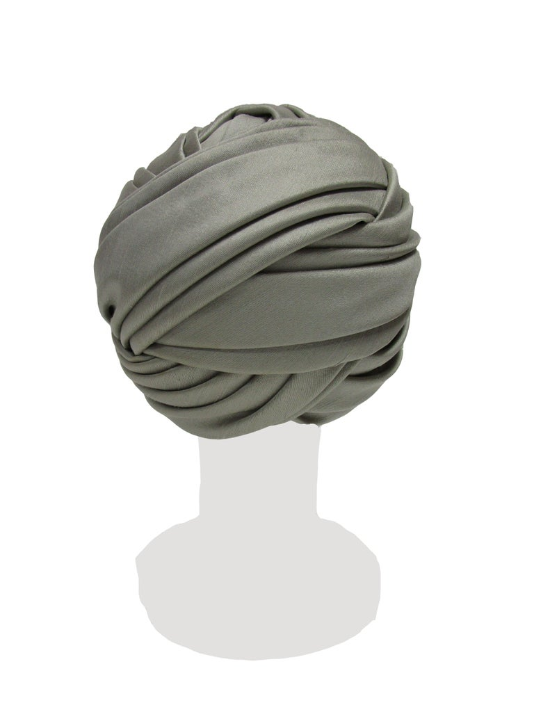 1950s Irene of New York Grey Raw Silk Turban  In Excellent Condition For Sale In Houston, TX