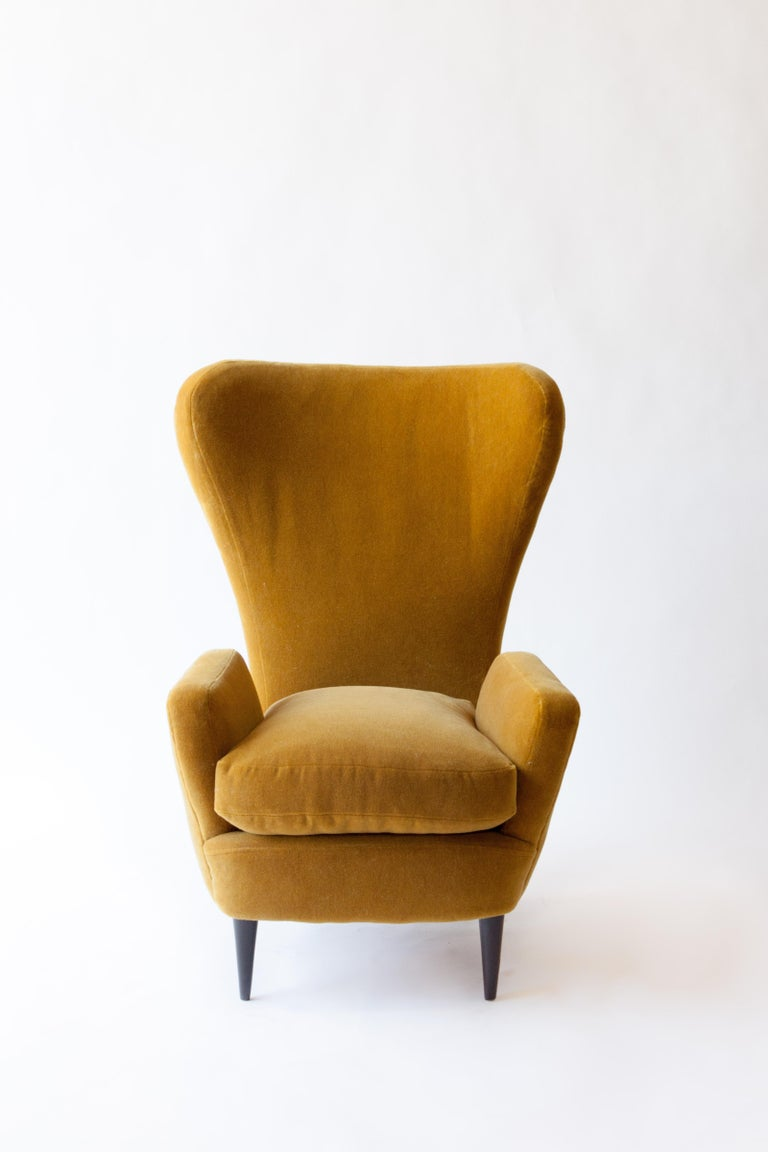 Mid-Century Modern 1950s Italian Armchair Attributed to Paolo Buffa For Sale