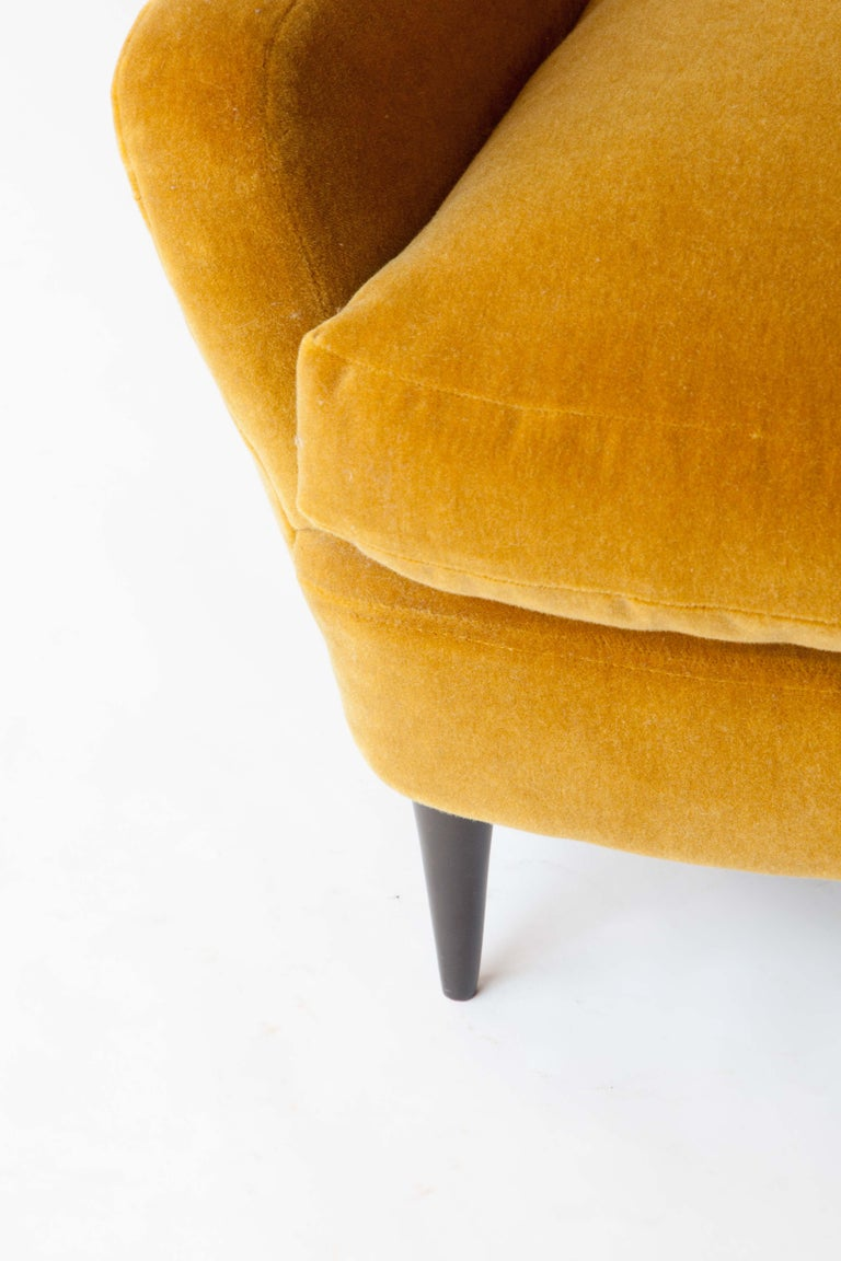 Mid-20th Century 1950s Italian Armchair Attributed to Paolo Buffa For Sale