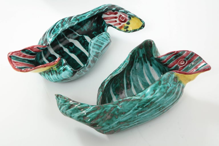 1950s Italian Ceramic Parrots and Bowl In Good Condition In New York, NY