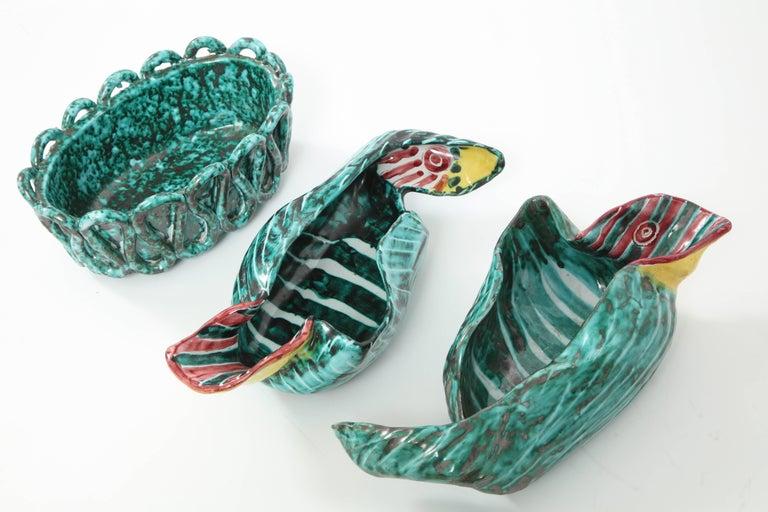 1950s Italian Ceramic Parrots and Bowl 5