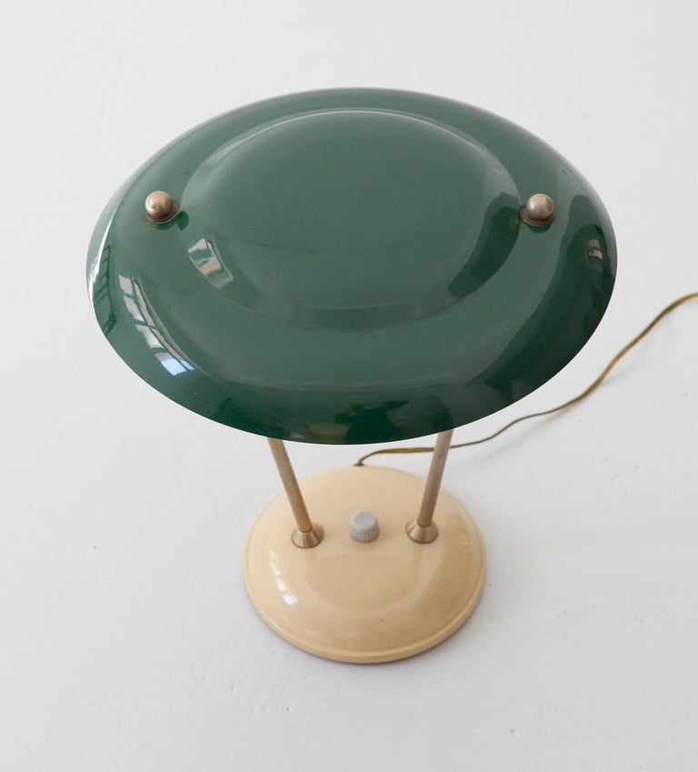 Mid-Century Modern 1950s Italian Green and Cream Table Lamp For Sale