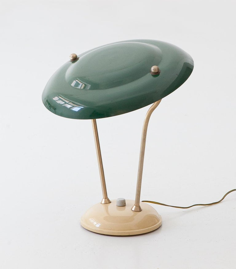 Metal 1950s Italian Green and Cream Table Lamp For Sale