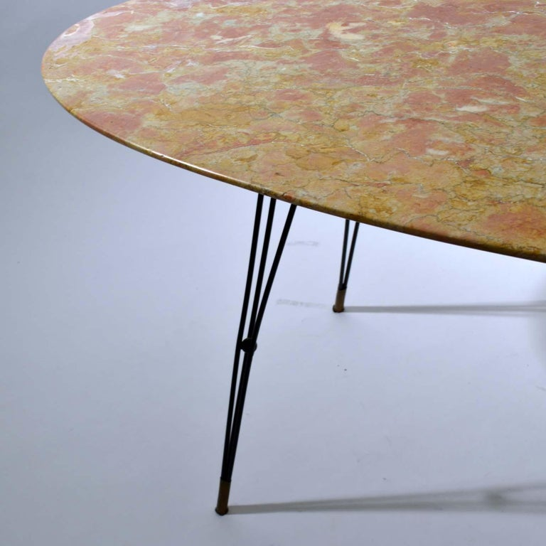 Mid-Century Modern Oval Marble Cocktail Table on Black Spider Legs 1950s Italian  For Sale