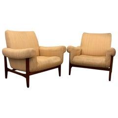 1950s Italian Pair of Walnut Armchairs