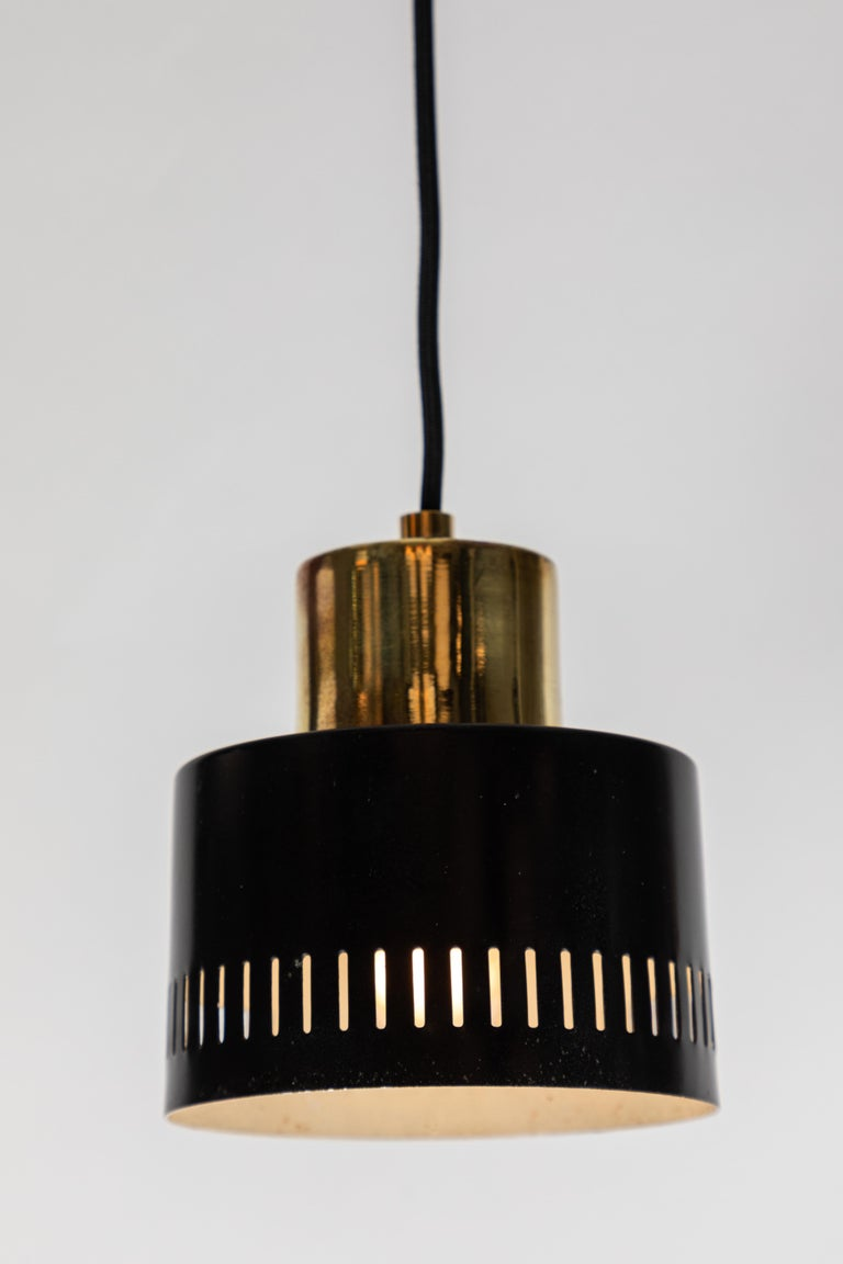 1950s Italian Pendant in Black and Brass Attributed to Stilnovo In Good Condition For Sale In Glendale, CA