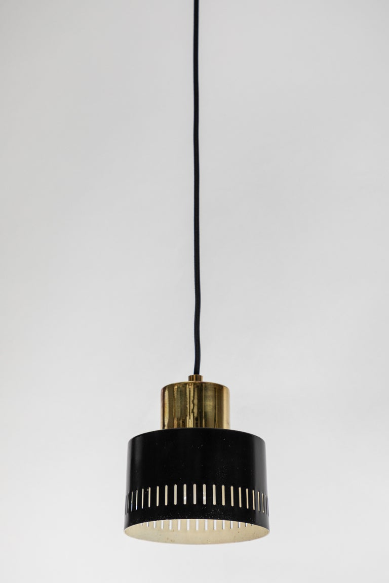 1950s Italian Pendant in Black and Brass Attributed to Stilnovo For Sale 1