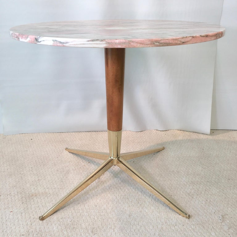 Mid-Century Modern 1950s Italian Pink Marble and Brass Pedestal Table For Sale