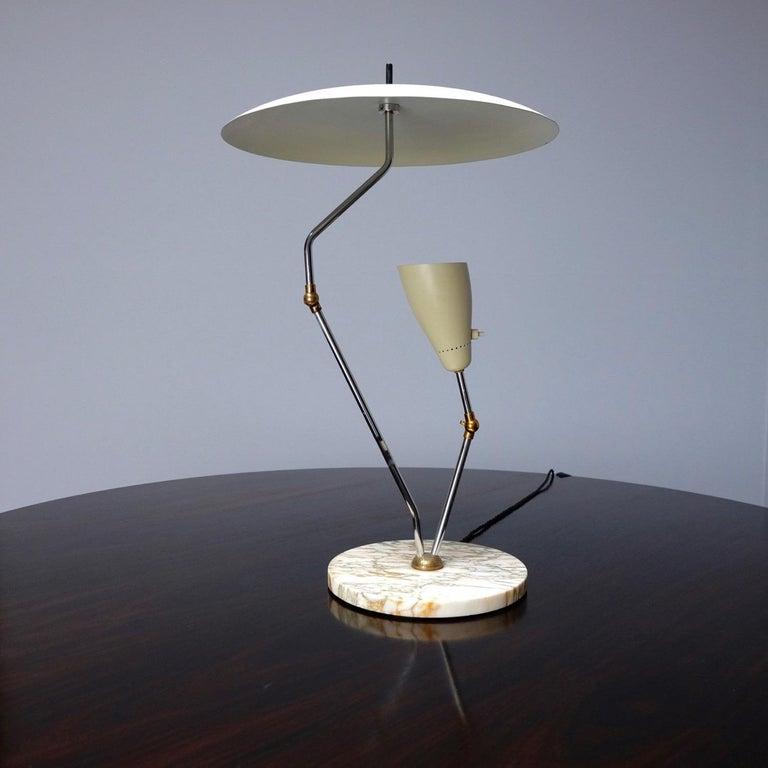 1950s Italian Reflector Desk Lamp Sarfatti Stilnovo Style on a Marble Base In Good Condition For Sale In London, GB