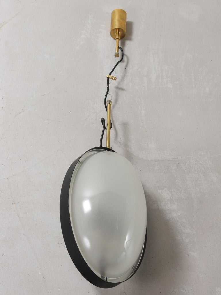 Stilnovo 1950s Italian Suspension Pendant Lacquered Metal Curved Glass and Brass For Sale 4