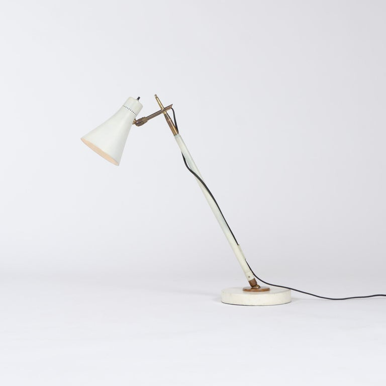 1950s Italian Telescoping Floor or Desk Lamp by Giuseppe Ostuni for O-Luce In Good Condition For Sale In Sagaponack, NY