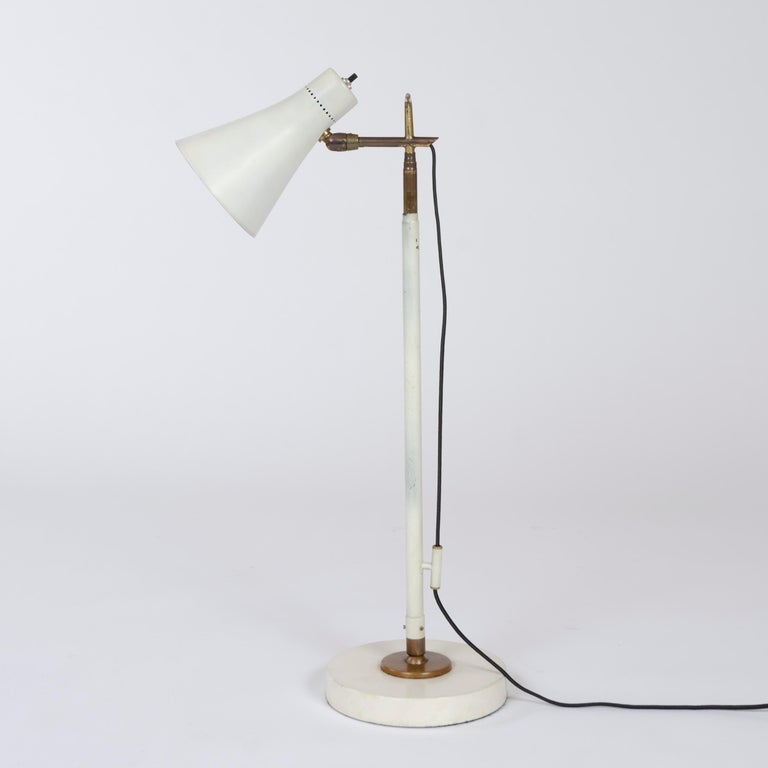 Mid-20th Century 1950s Italian Telescoping Floor or Desk Lamp by Giuseppe Ostuni for O-Luce For Sale
