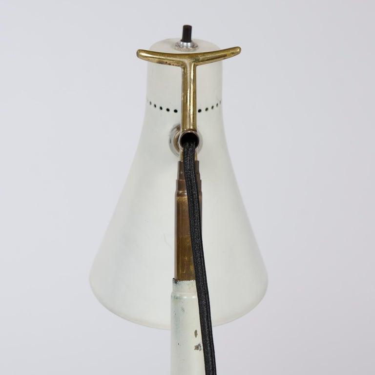 1950s Italian Telescoping Floor or Desk Lamp by Giuseppe Ostuni for O-Luce For Sale 2
