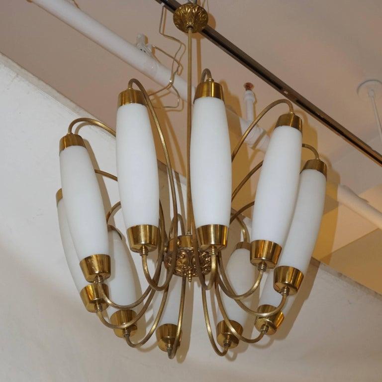 1950s Italian Vintage Stilnovo Style White Glass Ten-Light Brass Chandelier For Sale 7