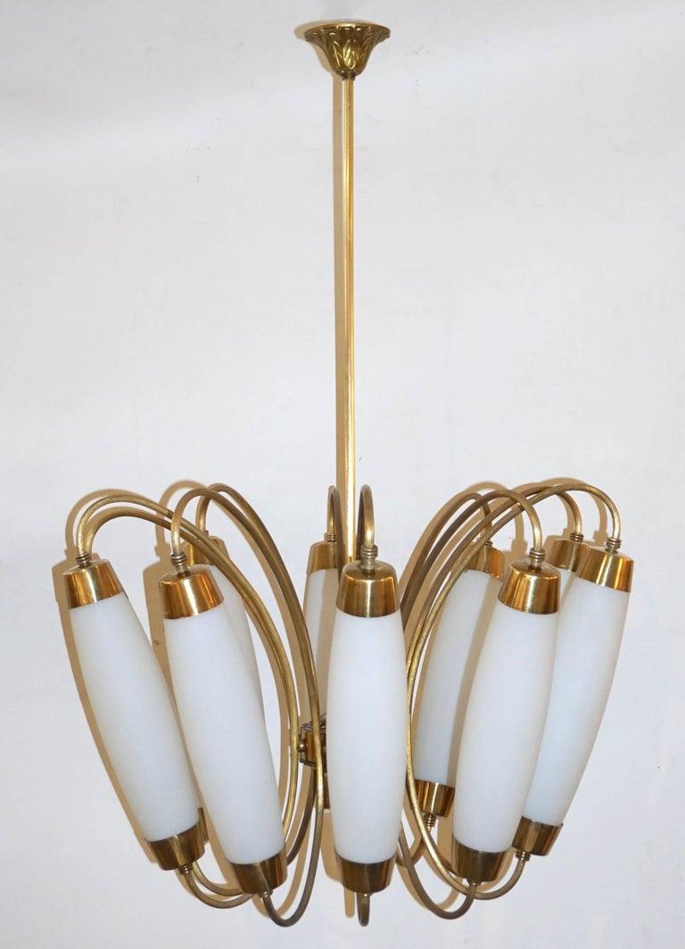 Mid-Century Modern 1950s Italian Vintage Stilnovo Style White Glass Ten-Light Brass Chandelier For Sale