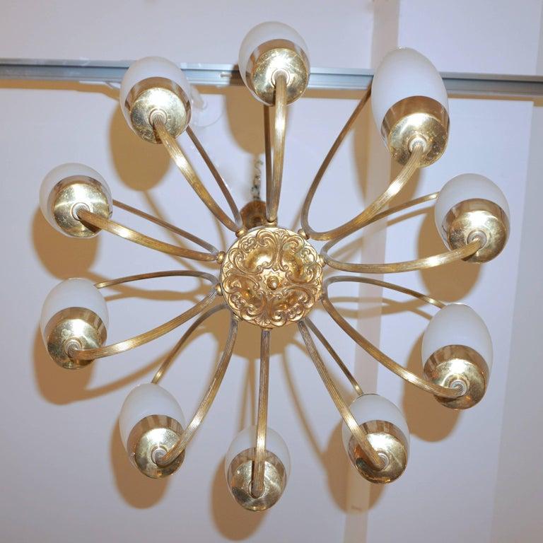 1950s Italian Vintage Stilnovo Style White Glass Ten-Light Brass Chandelier In Excellent Condition For Sale In New York, NY