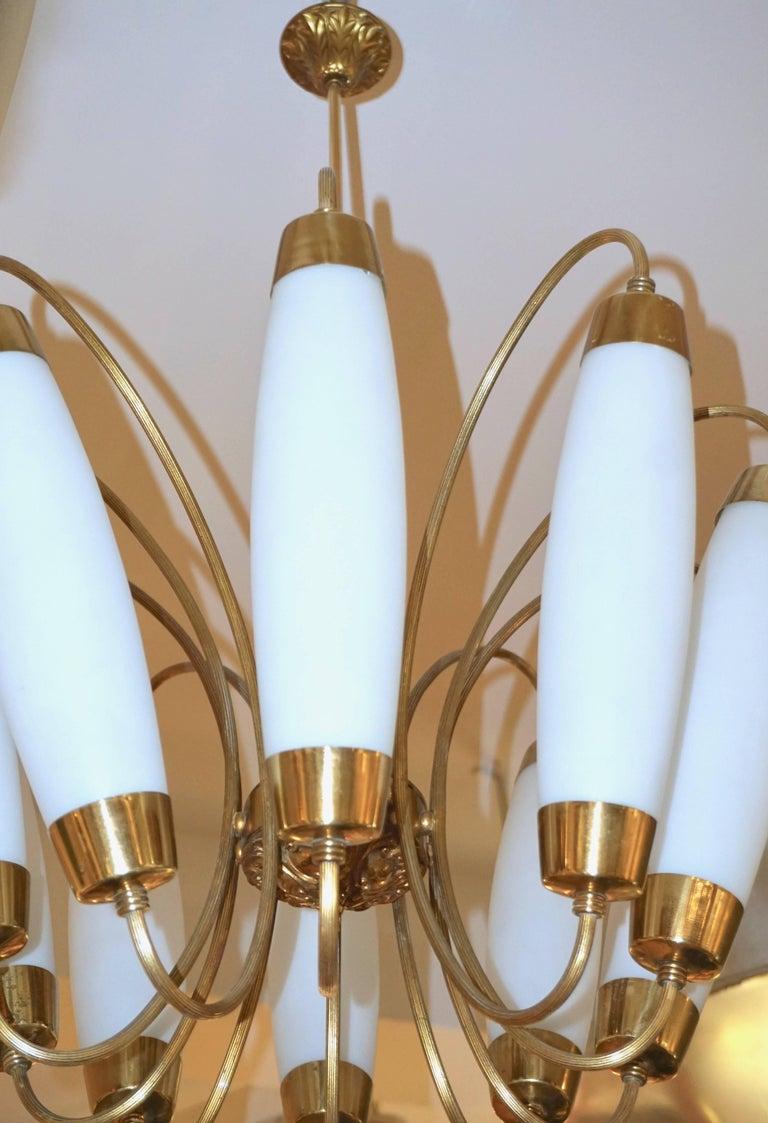 1950s Italian Vintage Stilnovo Style White Glass Ten-Light Brass Chandelier For Sale 2