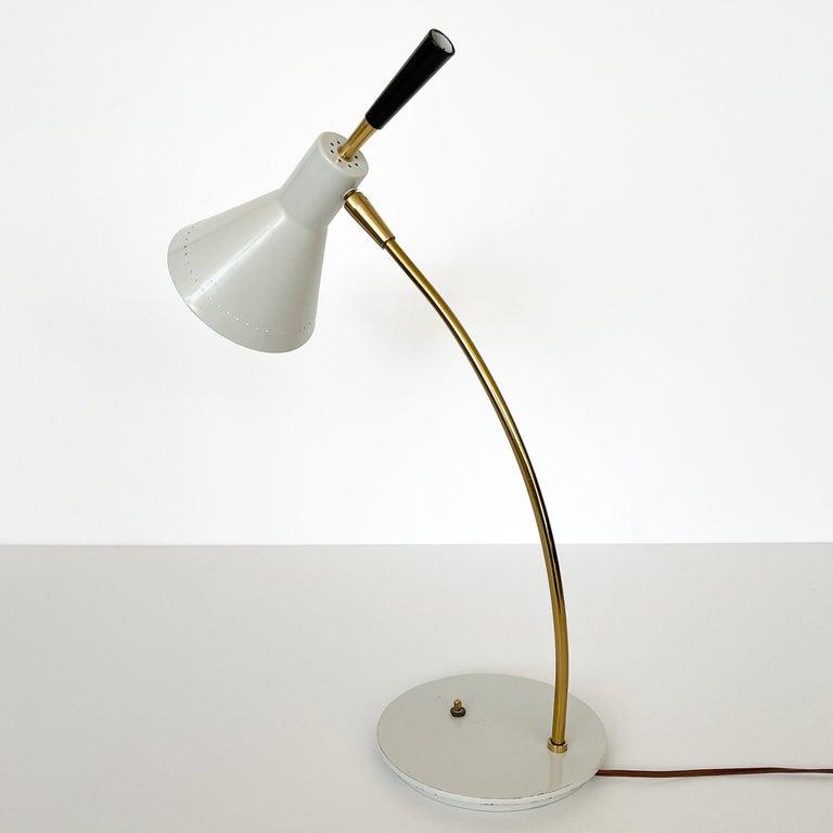 1950s Italian White Enamel and Brass Desk Lamp For Sale 4