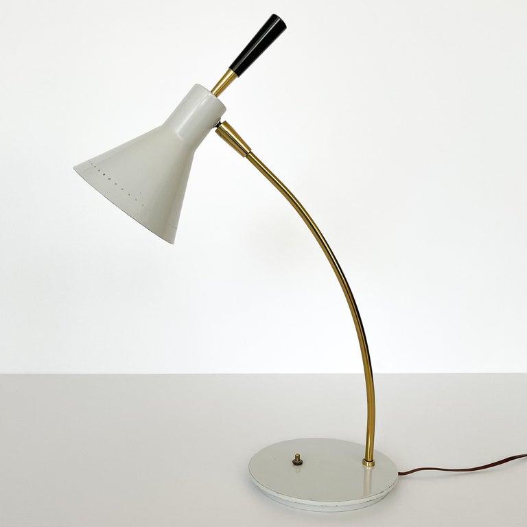 Mid-Century Modern 1950s Italian White Enamel and Brass Desk Lamp For Sale