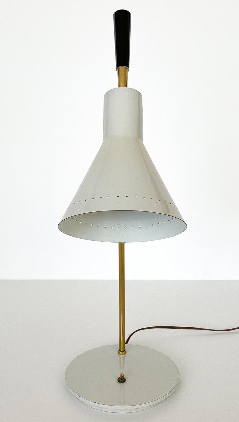Mid-20th Century 1950s Italian White Enamel and Brass Desk Lamp For Sale