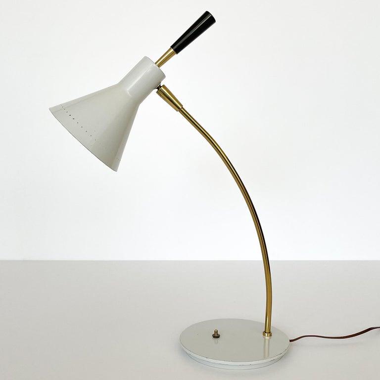 1950s Italian White Enamel and Brass Desk Lamp For Sale 1
