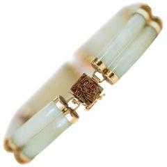 1950s Jade and 14 Karat Yellow Gold Link Bracelet