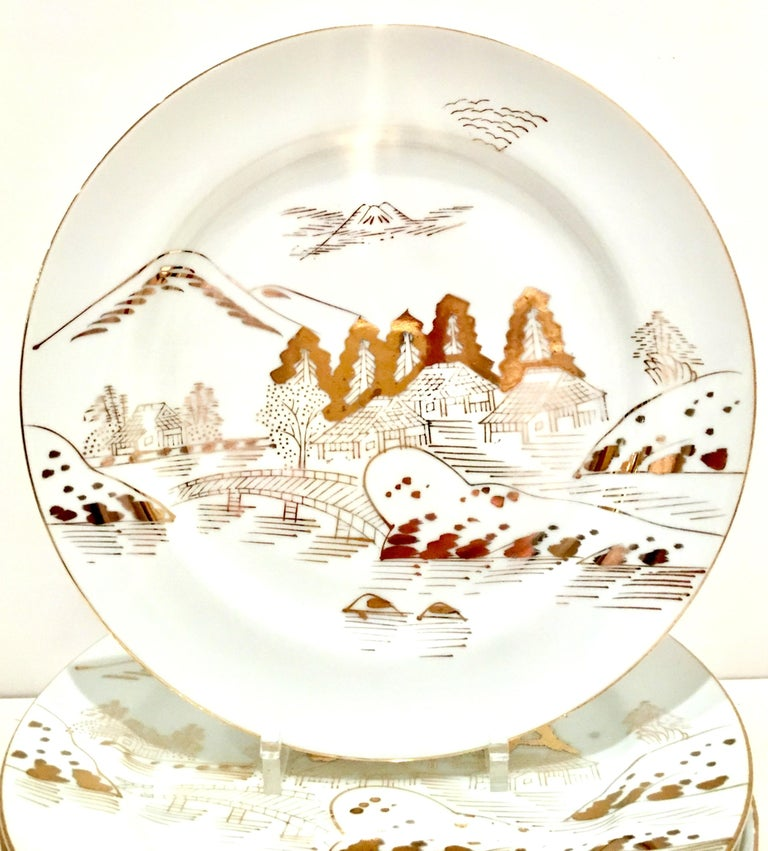 20th Century 1950s Japanese Porcelain and 22-Karat Gold Dinnerware Set of 20 by, Hayasi For Sale