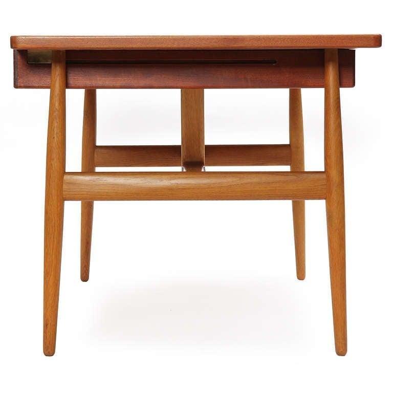 Danish 1950s JH-563 Wishbone Writing Desk by Hans J. Wegner for Johannes Hansen For Sale