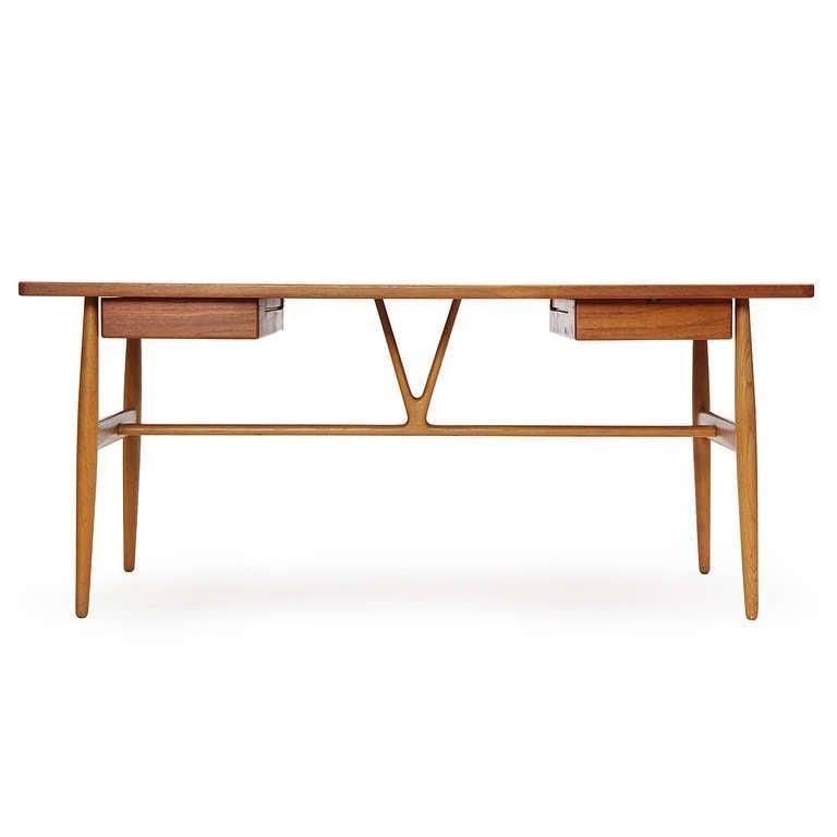 Oak 1950s JH-563 Wishbone Writing Desk by Hans J. Wegner for Johannes Hansen For Sale