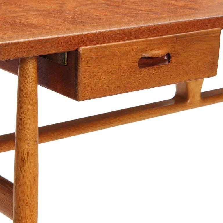 1950s JH-563 Wishbone Writing Desk by Hans J. Wegner for Johannes Hansen For Sale 2