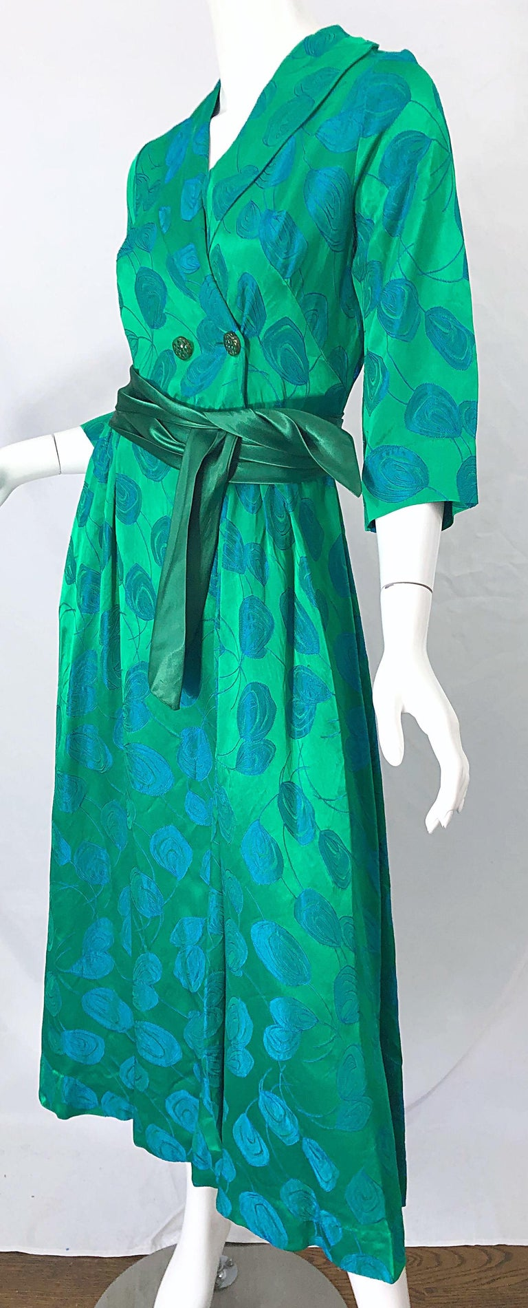1950s Kelly Green + Blue Flower Print Rayon Rhinestone Vintage 50s Wrap Dress For Sale 6
