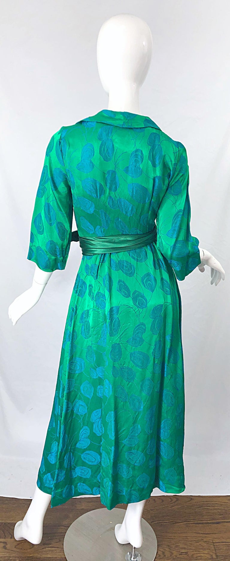 1950s Kelly Green + Blue Flower Print Rayon Rhinestone Vintage 50s Wrap Dress For Sale 7