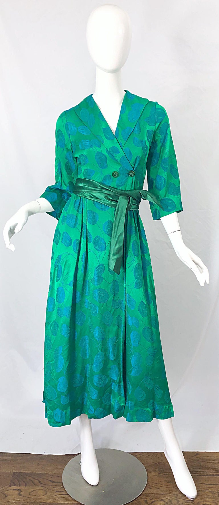 1950s Kelly Green + Blue Flower Print Rayon Rhinestone Vintage 50s Wrap Dress For Sale 8