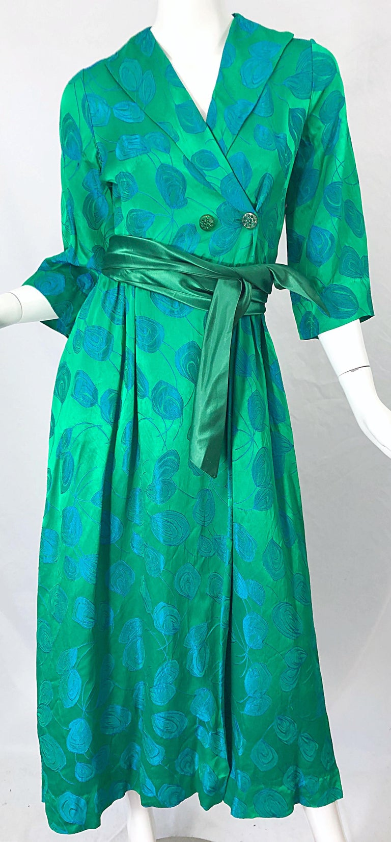 1950s Kelly Green + Blue Flower Print Rayon Rhinestone Vintage 50s Wrap Dress For Sale 2