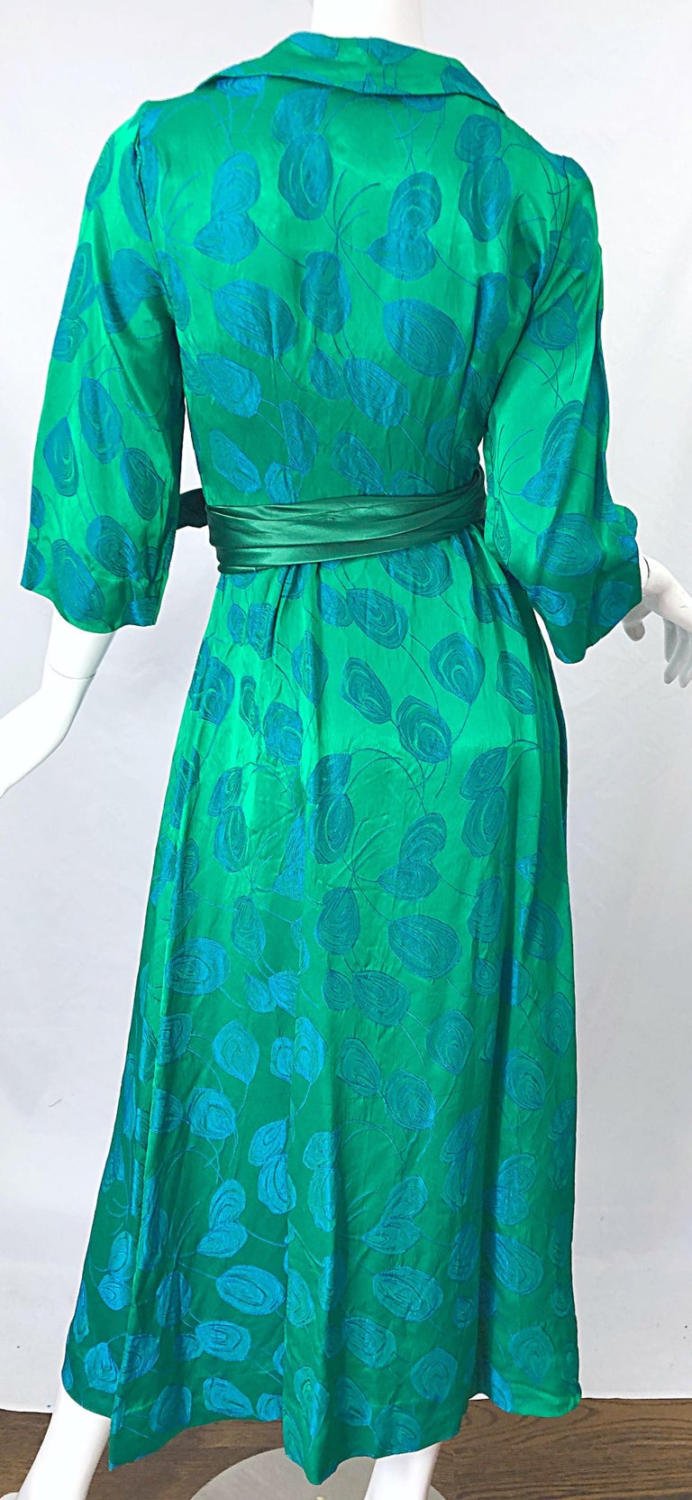 1950s Kelly Green + Blue Flower Print Rayon Rhinestone Vintage 50s Wrap Dress For Sale 3