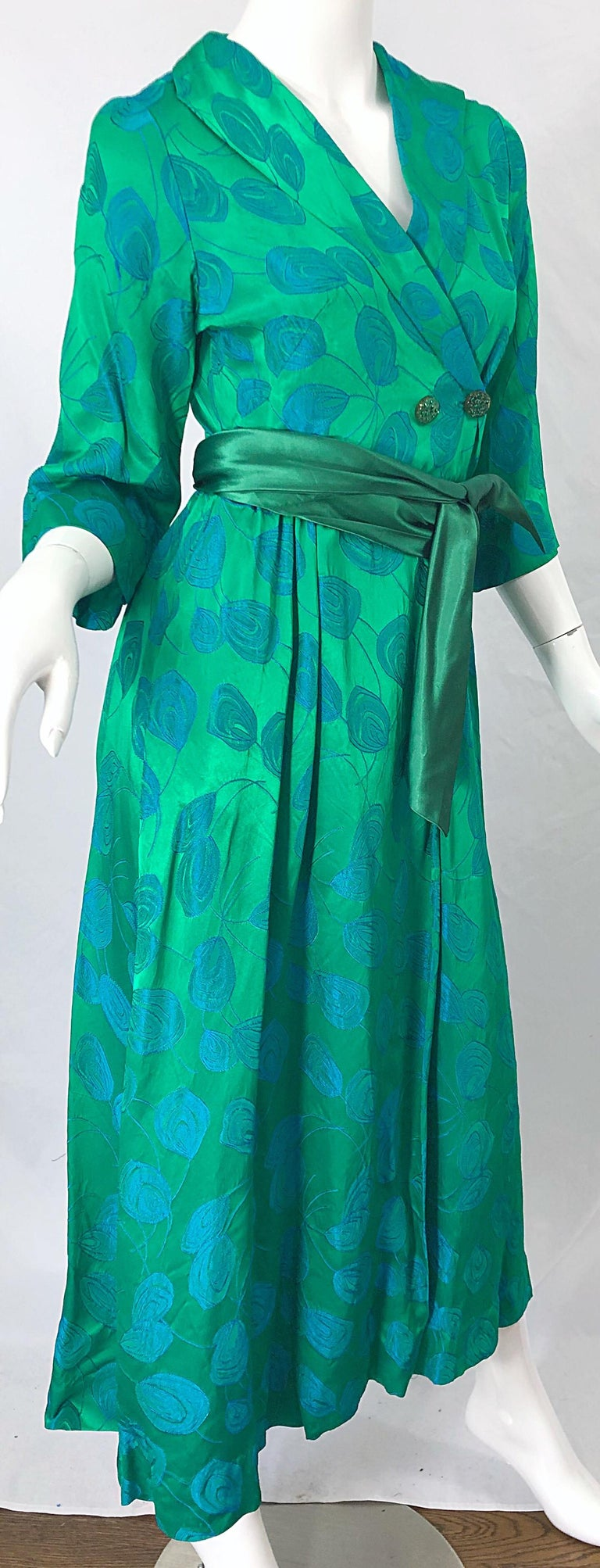 1950s Kelly Green + Blue Flower Print Rayon Rhinestone Vintage 50s Wrap Dress For Sale 4