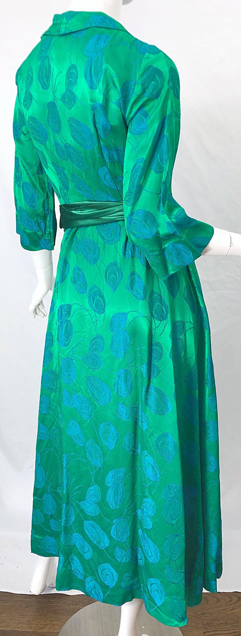 1950s Kelly Green + Blue Flower Print Rayon Rhinestone Vintage 50s Wrap Dress For Sale 5