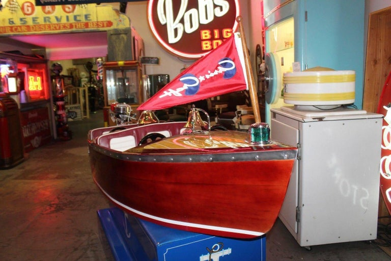 1950s Kiddie Boat Ride with Custom Chris Craft Logo Carnival Ride In Good Condition For Sale In Orange, CA