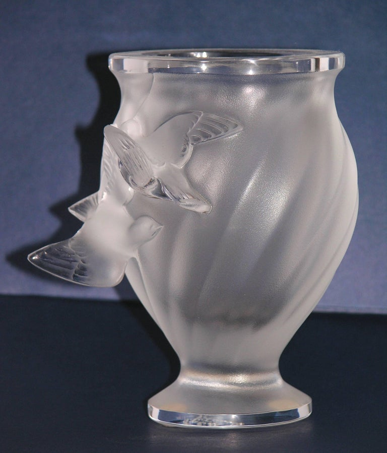 1950s Lalique Small French Crystal Glass Rosine Vase With Birds In