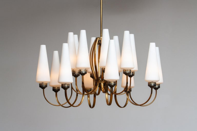 1950s, Large Brass Chandelier by Stilnovo with Large White Murano Vases, Italy For Sale 6