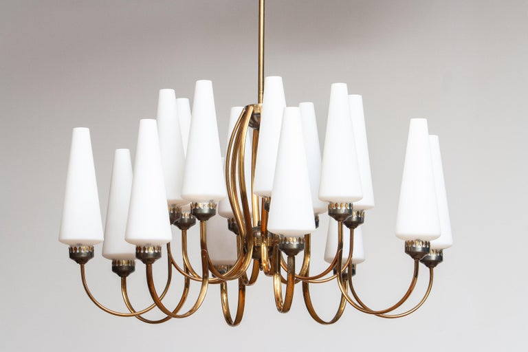 1950s, Large Brass Chandelier by Stilnovo with Large White Murano Vases, Italy For Sale 3