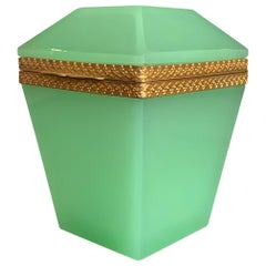 1950s Lime Green Murano Glass Hinged Box with Facetted Lid and Silvered Edging