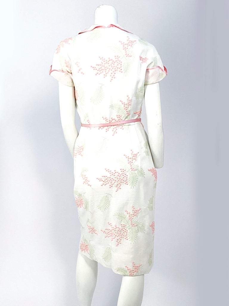 1950s Linen Floral Embroidered Dress For Sale 1