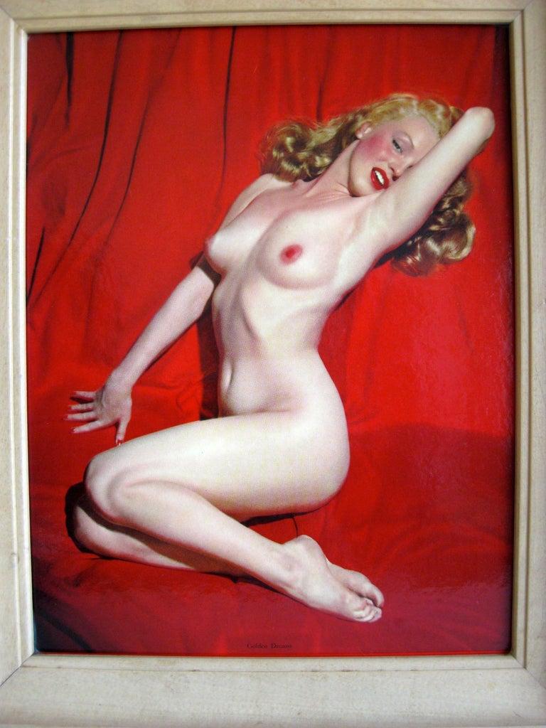 20th Century 1950s Marilyn Monroe Red Velvet Pin-Up